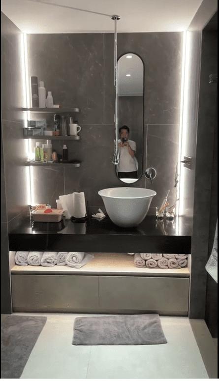 Hào hứng khoe biệt thự mới và phòng tắm siêu xịn, Trấn Thành nói: Chậu rửa mặt xấu nên nhiều người để miệng thúi không đánh răng-2