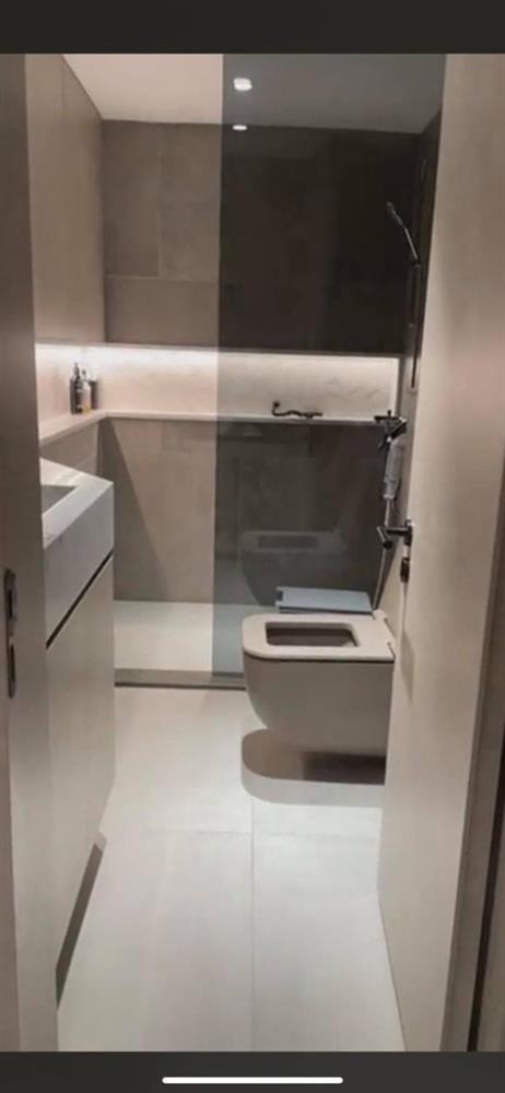 Hào hứng khoe biệt thự mới và phòng tắm siêu xịn, Trấn Thành nói: Chậu rửa mặt xấu nên nhiều người để miệng thúi không đánh răng-4