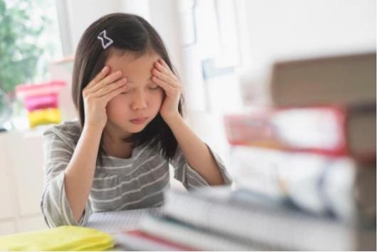 Theo dõi trẻ sau tai nạn: Ngoài chấn thương thể xác, có một việc mà cha mẹ cần cực kì lưu tâm vì có thể vài tháng sau nó mới xảy ra-2
