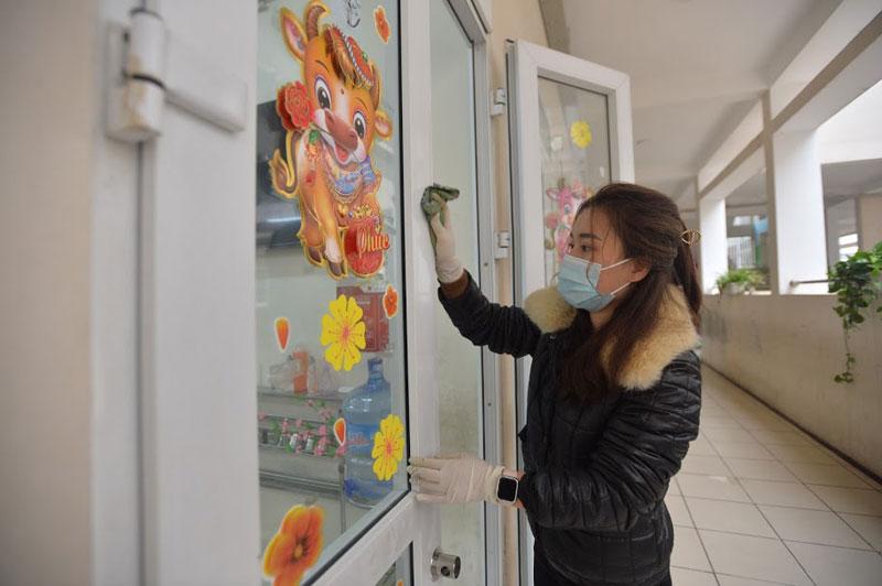 Trường Tiểu học Xuân Phương phun khử khuẩn, tổng vệ sinh toàn bộ khuôn viên trường sẵn sàng đón học sinh quay trở lại-8