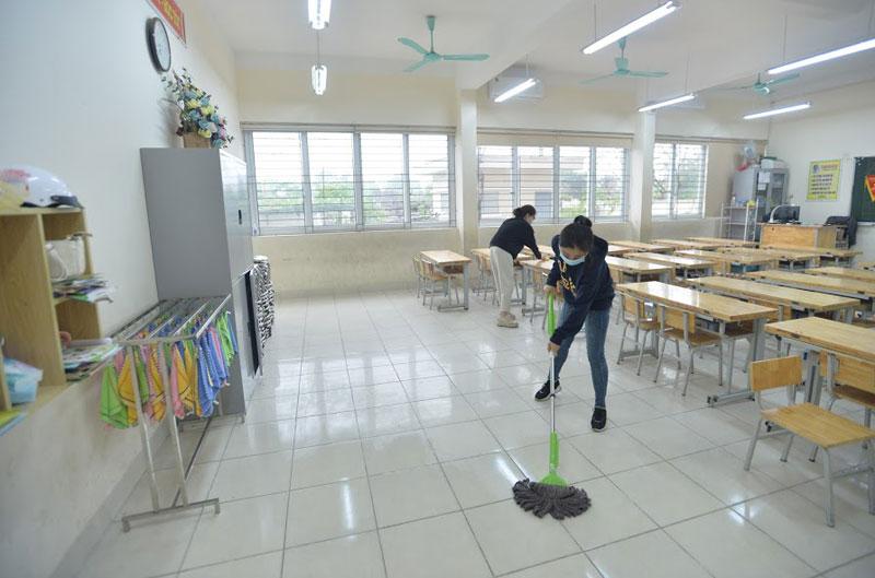 Trường Tiểu học Xuân Phương phun khử khuẩn, tổng vệ sinh toàn bộ khuôn viên trường sẵn sàng đón học sinh quay trở lại-12