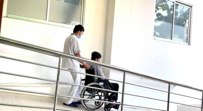 NS Thương Tín đã xuất viện sau 3 ngày đột quỵ, hình ảnh căn phòng trọ vỏn vẹn 20m2 tá túc cùng vợ gây xót xa-5