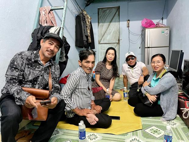 NS Thương Tín đã xuất viện sau 3 ngày đột quỵ, hình ảnh căn phòng trọ vỏn vẹn 20m2 tá túc cùng vợ gây xót xa-10