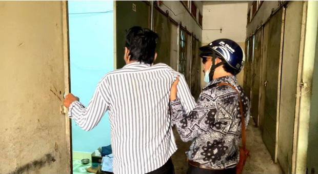 NS Thương Tín đã xuất viện sau 3 ngày đột quỵ, hình ảnh căn phòng trọ vỏn vẹn 20m2 tá túc cùng vợ gây xót xa-7