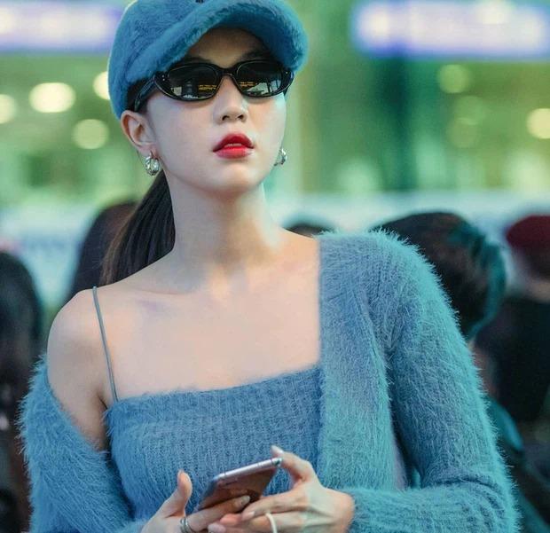 Đụng hàng set áo lông: Ngọc Trinh - Chi Pu khoe eo thon, Kaity hack dáng hiệu quả-5