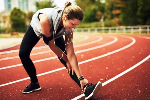 Đi bộ là cách tốt nhất để kéo dài tuổi thọ nhưng sẽ hiệu quả gấp bội nếu bạn thực hiện kèm những việc nhỏ nhặt này-3
