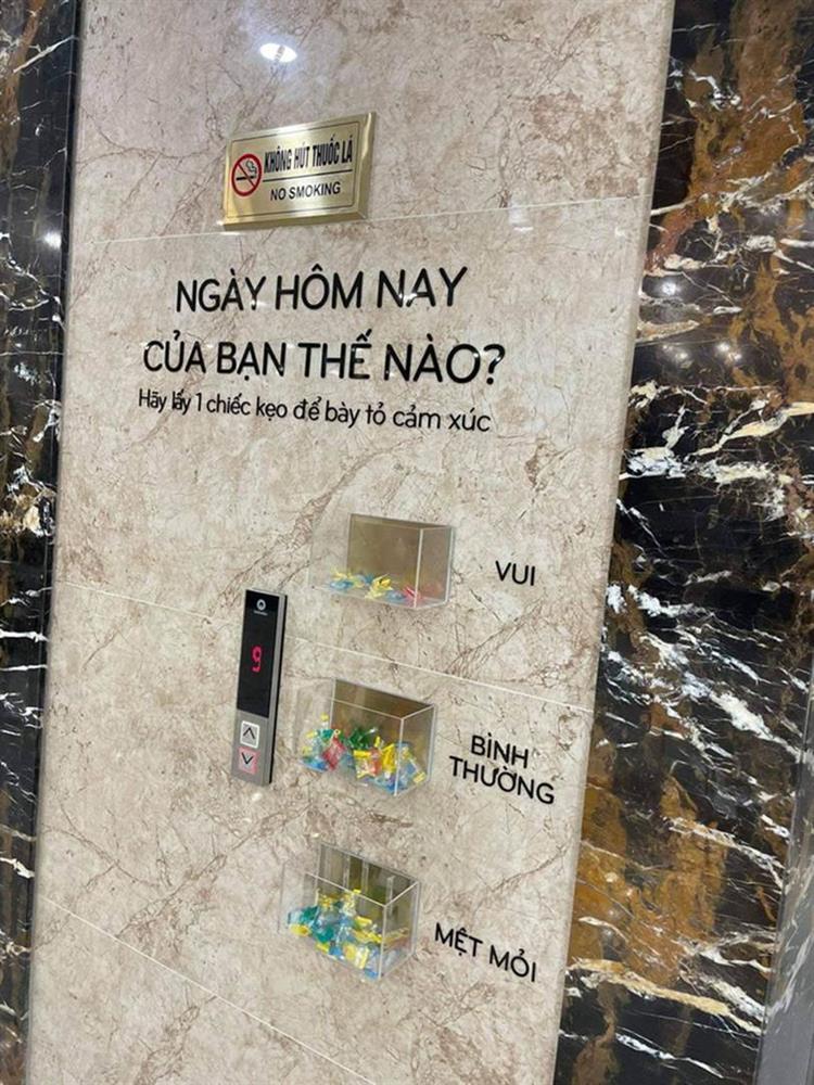 """Xuất hiện một công ty ở Hà Nội ngày nào đi làm cũng hỏi thăm nhân viên có vui hay không"""" bằng cách siêu ngọt ngào có 1-0-2!-1"""