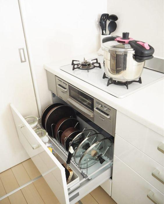 Trong nhà bếp, xoong nồi là thứ khó cất giữ nhất, nhưng nếu nắm bắt được hai điểm này, chúng sẽ được sắp xếp gọn gàng đến bất ngờ-3