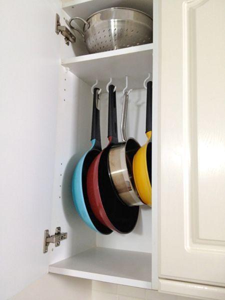 Trong nhà bếp, xoong nồi là thứ khó cất giữ nhất, nhưng nếu nắm bắt được hai điểm này, chúng sẽ được sắp xếp gọn gàng đến bất ngờ-8