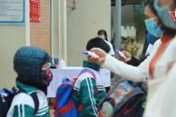 Cô trò trường Tiểu học Xuân Phương mừng rỡ ngày trở lại trường