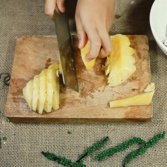 Mách chị em cách chế biến bắp bò ngon xỉu, không kém cạnh nhà hàng: Công thức đơn giản, chỉ 30 phút là xong!-4