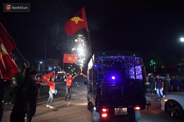 Hải Dương dỡ cách ly xã hội, người dân Chí Linh vui mừng hò reo sau 34 ngày chiến đấu với Covid-19-2