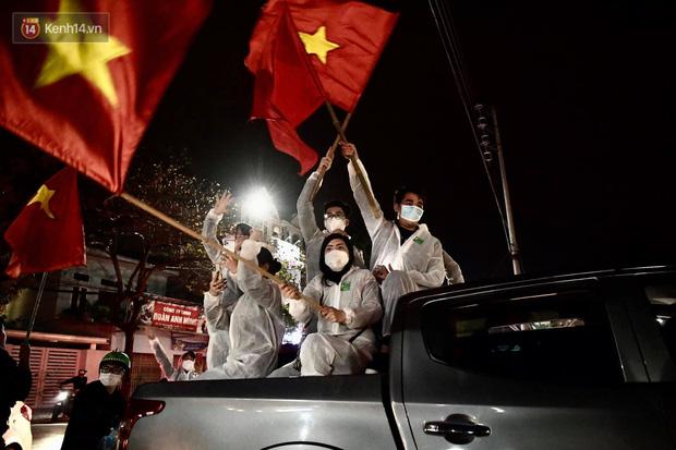 Hải Dương dỡ cách ly xã hội, người dân Chí Linh vui mừng hò reo sau 34 ngày chiến đấu với Covid-19-11