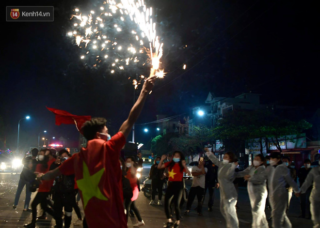 Hải Dương dỡ cách ly xã hội, người dân Chí Linh vui mừng hò reo sau 34 ngày chiến đấu với Covid-19-13