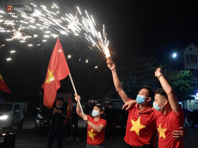 Hải Dương dỡ cách ly xã hội, người dân Chí Linh vui mừng hò reo sau 34 ngày chiến đấu với Covid-19-14