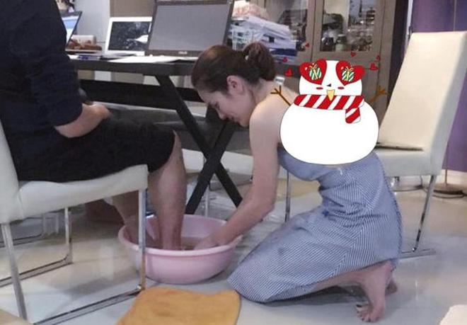 Hoa hậu Việt được tặng 6 tỷ vì giảm 6kg: Chơi hàng hiệu khét tiếng, quỳ gối rửa chân cho chồng-3