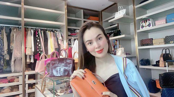 Hoa hậu Việt được tặng 6 tỷ vì giảm 6kg: Chơi hàng hiệu khét tiếng, quỳ gối rửa chân cho chồng-1