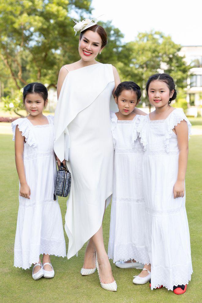 Hoa hậu Việt được tặng 6 tỷ vì giảm 6kg: Chơi hàng hiệu khét tiếng, quỳ gối rửa chân cho chồng-6