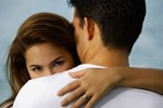 Từng hớn hở tự hào vì lấy được vợ đẹp, không ngờ có ngày anh tôi gặp quả đắng cũng vì vợ