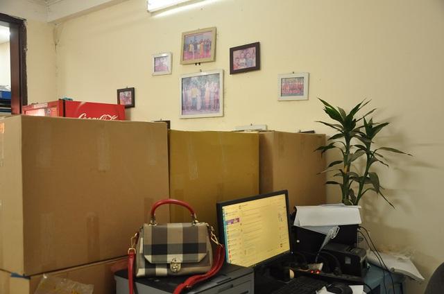Khốn đốn vì Covid-19, nữ giám đốc đi buôn hoa quả, biến văn phòng thành kho chứa hàng-4