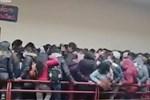 Đứng chen chỗ, 7 sinh viên ngã từ tầng 4 xuống tử vong do lan can bất ngờ bị đổ, khung cảnh hiện trường khiến ai cũng thót tim