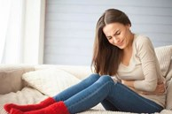 Nếu thấy 3 triệu chứng xuất hiện ở bụng, 1 ở lưng, hãy kiểm tra ung thư kịp thời