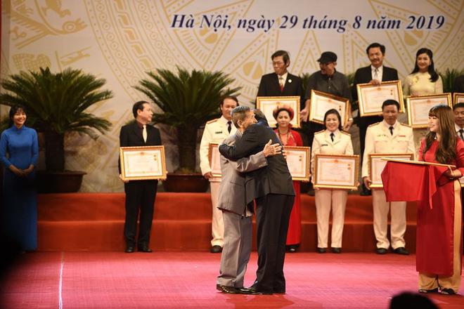 Nghệ sĩ Trần Hạnh: Danh hiệu NSND đến muộn ở tuổi 90 và lòng tự trọng quyết không xin-5