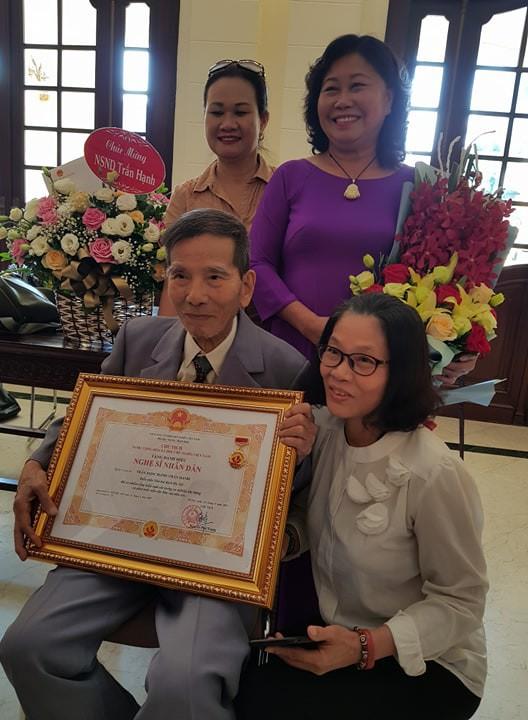 Nghệ sĩ Trần Hạnh: Danh hiệu NSND đến muộn ở tuổi 90 và lòng tự trọng quyết không xin-7