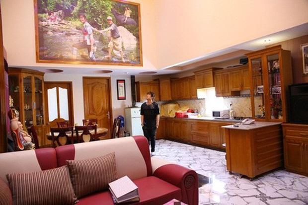 Chàng ca sĩ Vbiz là cậu ấm có nhà 200 tỷ 6 tầng to đùng ở ngay trung tâm quận 1 Sài Gòn-3