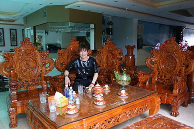 Chàng ca sĩ Vbiz là cậu ấm có nhà 200 tỷ 6 tầng to đùng ở ngay trung tâm quận 1 Sài Gòn-4
