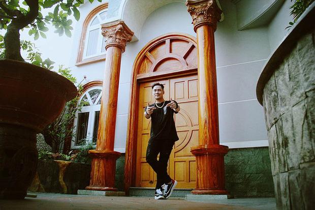 Chàng ca sĩ Vbiz là cậu ấm có nhà 200 tỷ 6 tầng to đùng ở ngay trung tâm quận 1 Sài Gòn-6