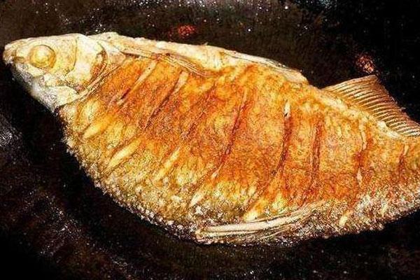 Thêm gia vị đặc biệt giúp món cá rán không bị dính, rách da, thơm ngon hơn-1