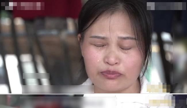 Bà mẹ lên truyền hình tố cáo các con ruồng rẫy mình, ai ngờ cô con gái bình thản kể lại 1 chuyện khiến cả trường quay chết lặng-1