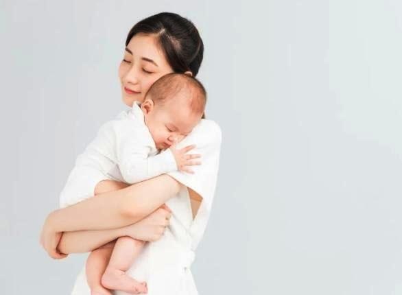 """Trẻ sơ sinh khó ngủ, ngủ ngày cày đêm""""? 4 kinh nghiệm đối phó tưởng là chân lý"""" nhưng không hẳn đúng, bố mẹ cần lưu ý-5"""