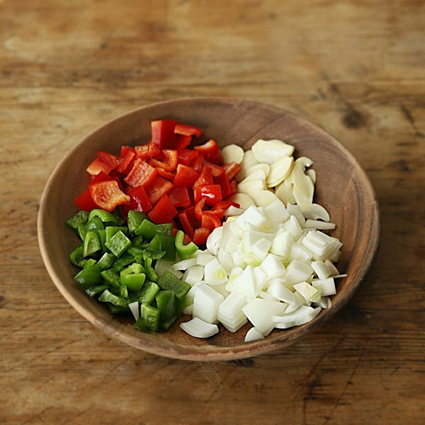 Mách chị em cách làm cơm cà ri đậu phụ, bữa ăn chay thơm ngon lành mạnh nhất là đây-4