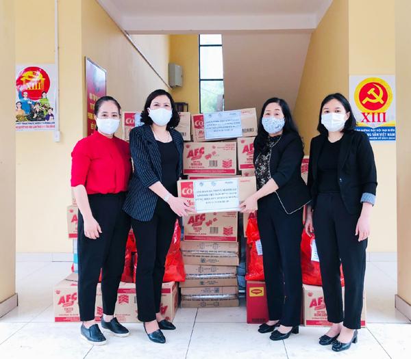Mondelez Kinh Đô trao hàng nghìn sản phẩm tiếp sức vùng dịch-1
