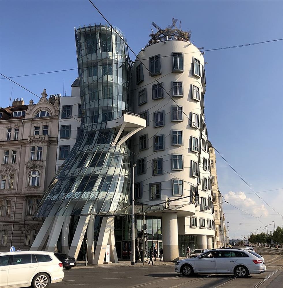 Những ngôi nhà có thiết kế kỳ quái, độc đáo trên thế giới-5