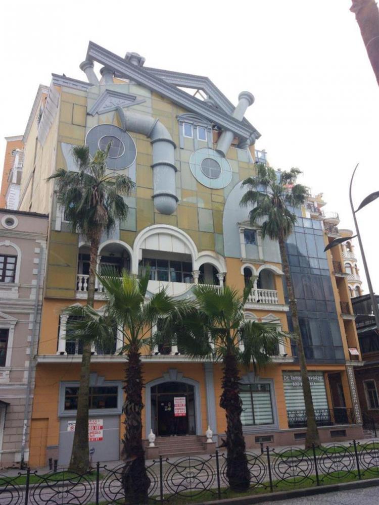 Những ngôi nhà có thiết kế kỳ quái, độc đáo trên thế giới-12