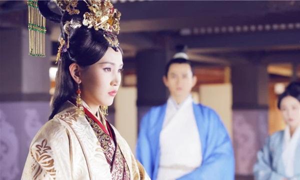 Vị Hoàng hậu hoàn mỹ nhất lịch sử Trung Hoa: Tài sắc vẹn toàn, khắc chồng khắc con nhưng phò tá 6 vị Hoàng đế, cứu giữ 1 triều đại-2