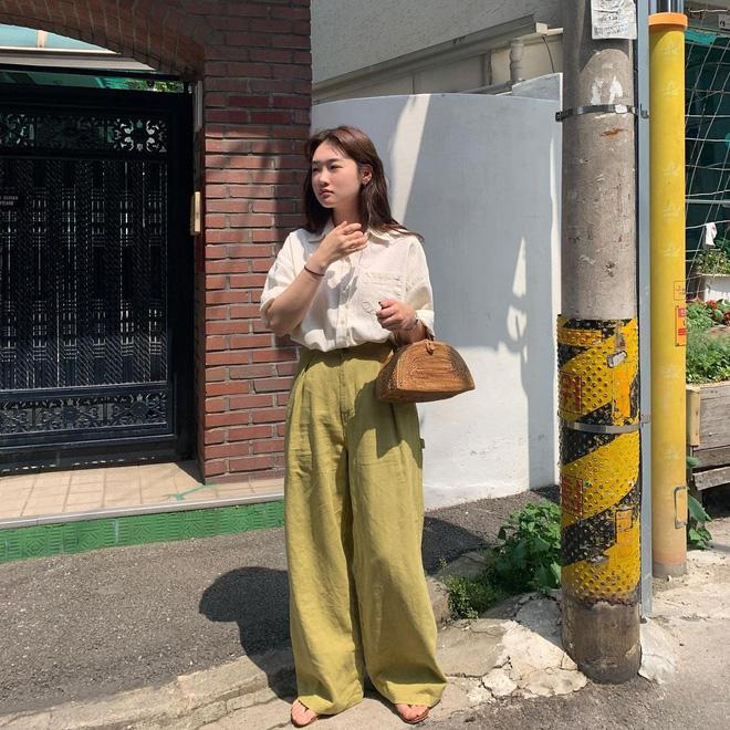 Học lỏm 4 công thức phối màu chuẩn đét, mix bừa cũng có outfit đỉnh như fashionista!-3
