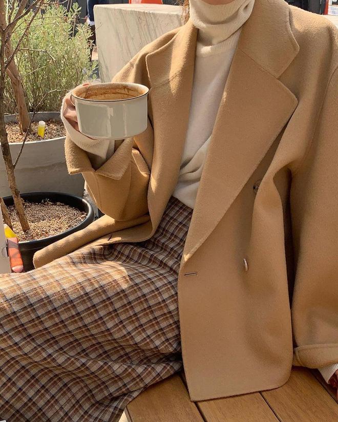 Học lỏm 4 công thức phối màu chuẩn đét, mix bừa cũng có outfit đỉnh như fashionista!-5
