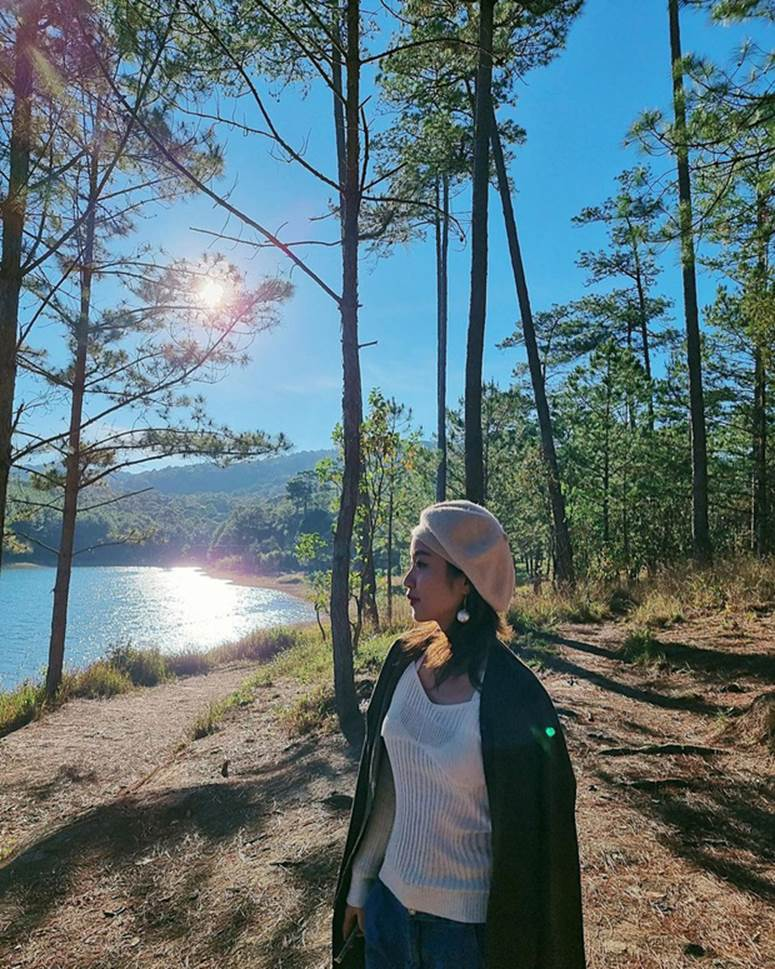 Xuýt xoa không thôi với loạt ảnh du lịch cực chill của Mi Vân: Style đơn giản nhưng nhan sắc mẹ bỉm vẫn đỉnh quá!-5