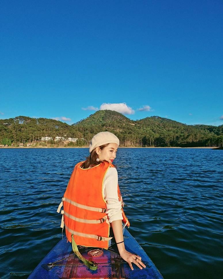 Xuýt xoa không thôi với loạt ảnh du lịch cực chill của Mi Vân: Style đơn giản nhưng nhan sắc mẹ bỉm vẫn đỉnh quá!-6