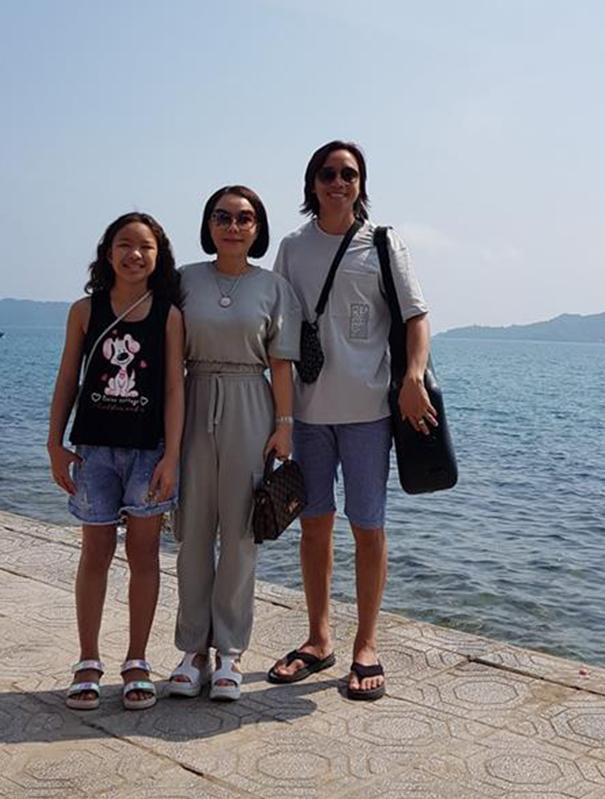 Hình ảnh danh hài Việt Hương đi du lịch cùng chồng con gây tranh cãi-1