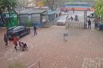 Hà Nội: Người đàn ông vào bệnh viện nhưng không chịu khai báo y tế, lái xe tông vào Giám đốc bệnh viện