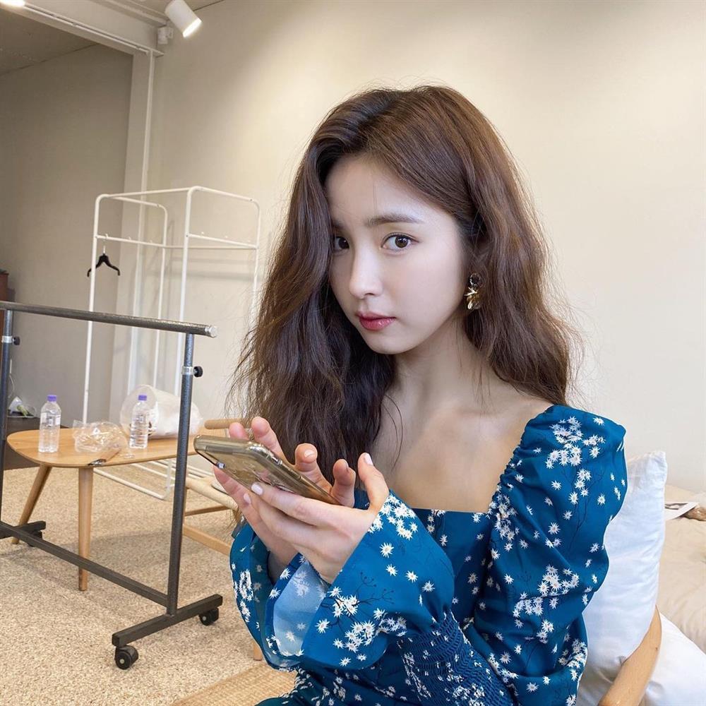 5 kiểu tóc sao Hàn 30+ đang kết thân để trông trẻ như gái đôi mươi, vẻ sang - xịn - mịn thì khỏi bàn cãi-10
