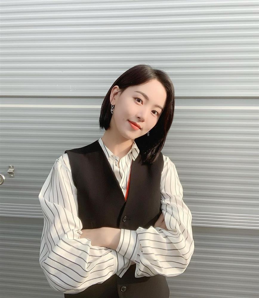 5 kiểu tóc sao Hàn 30+ đang kết thân để trông trẻ như gái đôi mươi, vẻ sang - xịn - mịn thì khỏi bàn cãi-21