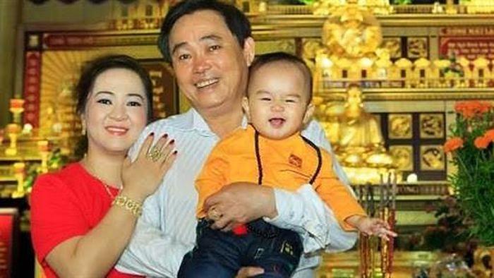 Từ lâu bà Phương Hằng - vợ ông Dũng lò vôi đã chọn người thừa kế khối tài sản khổng lồ, cậu bé khi ấy mới tròn 1 tuổi và lý do đằng sau khiến ai cũng bất ngờ-5