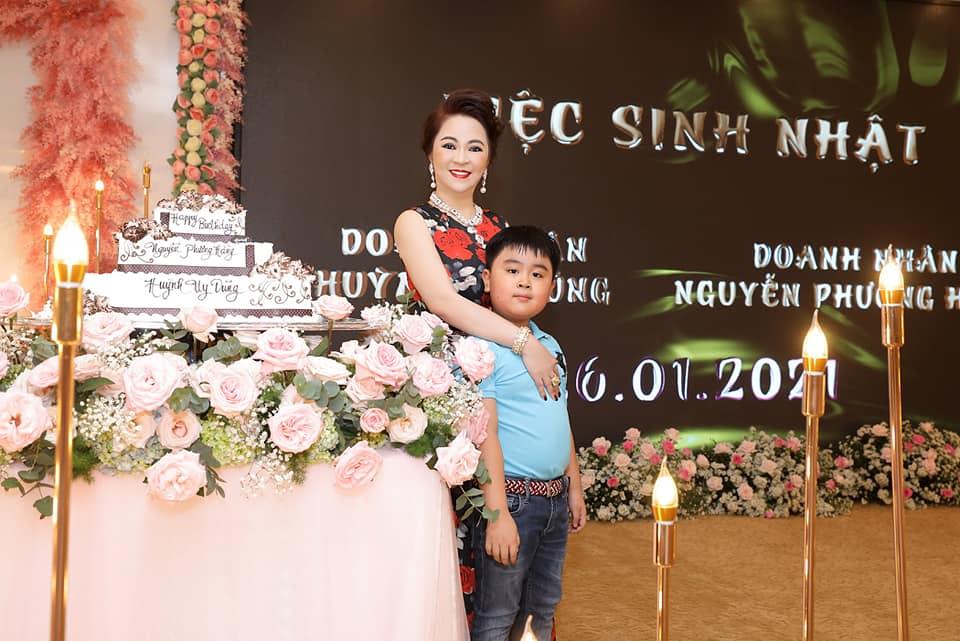 Từ lâu bà Phương Hằng - vợ ông Dũng lò vôi đã chọn người thừa kế khối tài sản khổng lồ, cậu bé khi ấy mới tròn 1 tuổi và lý do đằng sau khiến ai cũng bất ngờ-11