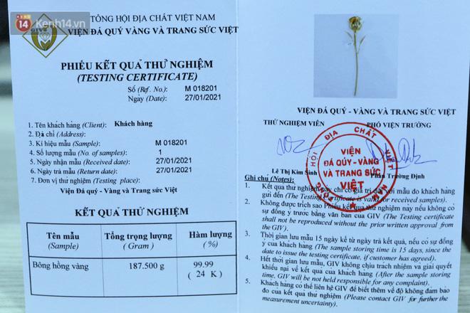 Cận cảnh hoa hồng đúc vàng giá 330 triệu đồng được đại gia Hải Phòng mua làm quà tặng ngày 8/3-7